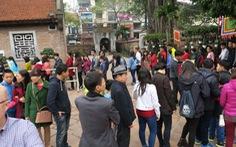 Người Việt chỉ xếp hàng khi bị bắt buộc?