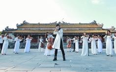 Xem MV Tự nguyện với tiếng violin Hoàng Rob