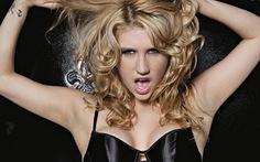 """Xôn xao chiến dịch """"giải cứu Kesha"""" sau vụ kiện tình dục"""