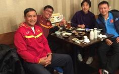 Chuyến thăm ấm cúng của HLV Miura và Takashi