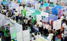 Học sinh tham gia cuộc thi khoa học kỹ thuật quốc gia