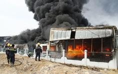 Cháy dữ dội tại công ty hóa chất Bình Dương