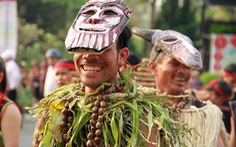 1.000 nghệ nhân xuống đườngtrình diễn văn hoá Tây nguyên