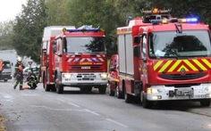 Lính cứu hỏa Phápbắt đầu tính phí