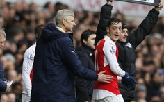 Ông Wenger tức giận vì phát ngôn của Ozil