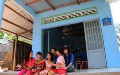 Xây nhà tặng cha mẹ sinh viên