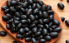 """Nuốt sống hạt đậu đen để """"trường sinh bất lão""""?"""