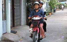 Những cuốc xe ôm của người đàn bà 61 tuổi