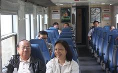 """""""Tàu buýt"""" giá rẻ Sài Gòn - Dĩ An, 7 toa chở 14 khách"""