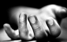 Bé 5 tuổi chết nghi bị đâm, mẹ và anh trai nguy kịch