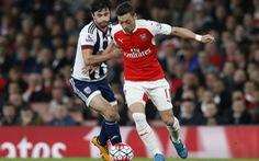 Ozil vắng mặt trong đội hình tiêu biểu PFA