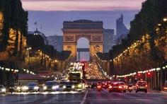 Pháp cấm ôtô để hạn chế khói bụi tại Đại lộ Champs-Elysees