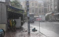 Nhiều tỉnh Nam bộ và TP. HCM đóncơn mưa trái mùa