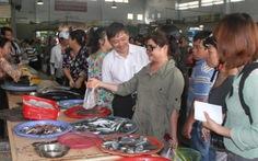 Phó thủ tướng chỉ đạo thu mua hải sản tồn kho
