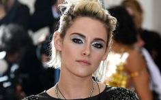 Kristen Stewart thử sức làm phim ngắn về nữ quyền