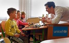 Orlando Bloom làm đại sứ UNICEF, thăm trẻ em ở Ukraine