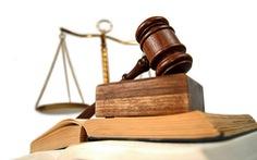 Học và làm luật trong lĩnh vực tài chính
