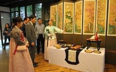 """Triển lãm """"Seoul xưa và tranh dân gian truyền thống Hàn Quốc"""""""
