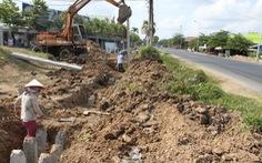 Công trình nhà nước vô tư xây lấn lộ giới