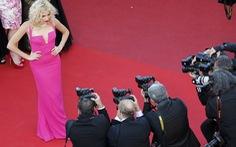 Tốn vài trăm triệu là thoải mái diện váy lên thảm đỏ Cannes