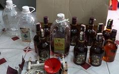 Khởi tố đối tượng làm rượu giả từ phẩm màu