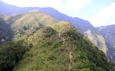 Chinh phục đỉnh Tà Chì Nhù đầy nắng và gió