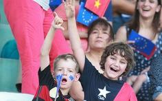 Các nhà ngoại giao đá bóng cổ vũ Euro 2016