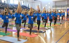 Hơn 1.000 người tham dự Ngày Quốc tế Yoga lần 2