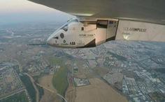 Máy bay năng lượng mặt trời bay xuyên Đại Tây Dương