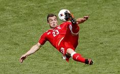 Xherdan Shaqiri rời nước Pháp với bàn thắng siêu phẩm