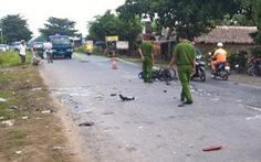 Chạy xe máy chở 3 tông xe nhà đòn, 3 thanh niên tử vong