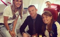 Rooney đi máy bay giá rẻ