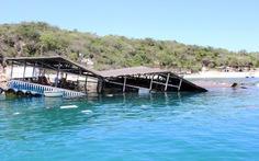 Điểm tin: Sập bè tại vịnh Vĩnh Hy, khoảng 300 khách rơi xuống biển
