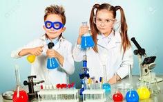 Làm sao giúp trẻ em yêu các môn khoa học?