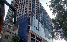 Chốt hoàn tất dỡ tầng 19 nhà 8B Lê Trực trong tháng 8