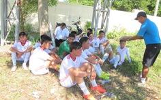 Hội khỏe Phù đồng 2016: đá bóng đá giữa trưa vì… thiếu sân !
