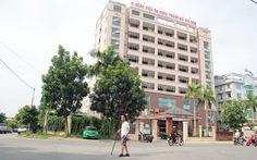 Bệnh viện nợ lương, bác sĩ, y tá đồng loạt nghỉ việc