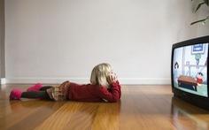 Xem tivi quá nhiều khiến trẻ dễ có vấn đề về tâm lý