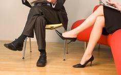Ngồi nhịp chân, một cách giúp tim khỏe