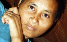 """Cô gái """"người rừng"""" Campuchia có cha mẹ ở VN?"""