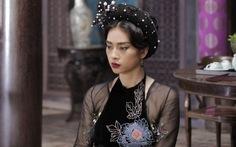 Ngô Thanh Vân bật khóc nghẹn ngào trong ngày chiếu Tấm Cám