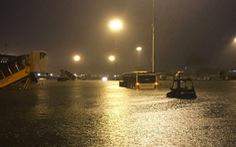 Cục hàng không: nhiều bãi đỗ ở Tân Sơn Nhất ngập trong mưa