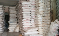 Bắt khẩn cấp 3 nghi can buôn lậu đường từ Campuchia