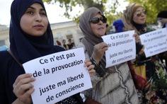 Thủ tướng Pháp phản bác báo Mỹ về chuyện trang phục Hồi giáo