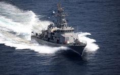 Tàu chiến Iran lại giỡn mặt tàu chiến Mỹ