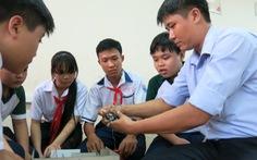Học trò trường làng tập lập trình