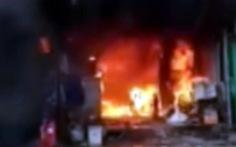 Ôtô trong sân bay Nội Bài bất ngờ bốc cháy, tài xế tử vong