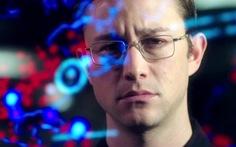 Phim Snowden của Oliver Stone lôi cuốn dù không nhiều bất ngờ