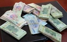 Thủ quỹ chiếm dụng 828 triệu đồng chỉ bị cảnh cáo