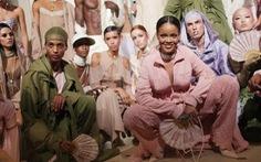 Rihanna ra mắt bộ sưu tập riêng tại Paris Fashion Week